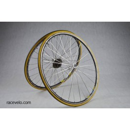 Vintage road wheels Hugi Compact Mavic Open 4CD rims 8 speed